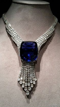 Blue sapphire necklace presented to Queen Elizabeth on Coronation 12th of May 1937