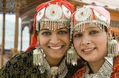 Kashmiri *Portrait of two women on a shikara, Dal Lake, Srinagar, Jammu And Kashmir, India Kashmir Tour, Kashmir India, States Of India, Srinagar, India People, India And Pakistan, People Of The World, Photography Women, Incredible India