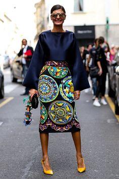 Great goodness skirt alert. #GiovannaBattaglia getting print in Milan.