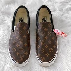 Brown Gucci Old Skool Vans. Custom Made Vans. Made to Order. Please allow weeks before item shipping out due to being custom made. Please select your normal Vans size. Vans Shoes Fashion, Lv Shoes, Hype Shoes, Me Too Shoes, Shoe Boots, Louis Vuitton Shoes Sneakers, Aqua Shoes, Sneakers Mode, Slip On Sneakers