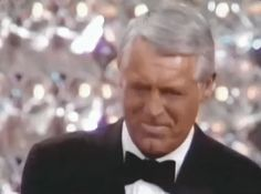 The Oscars oscars academy awards cary grant oscars 1970 GIF Oscar Academy Awards, Male Icon, Carole Lombard, Lauren Bacall, Paul Newman, Cary Grant, Sophia Loren, Michael Fassbender, Jared Leto