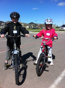 Have a bike rodeo in your neighbourhood to teach kids bike safety #eSpokes #bikes #BikeSafety