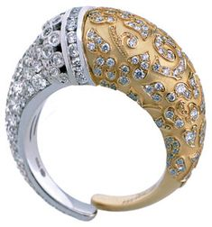 horn ring in 18k yellow and white gold with diamonds, Carrera y Carrera