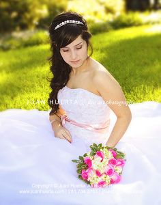 See more here: http://www.houston-quinceanera-photographer.com/