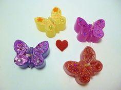 Geschenk Set kleine Schmetterlings Kerze mit Schmuckstein & Glitzer    4 Kerzen    Tolles Geschenk     oder    einfach zum selbst behalten     Bes...