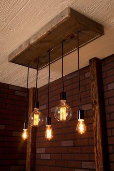 Eclairage lustre avec bois de récupération et 5 pendentifs