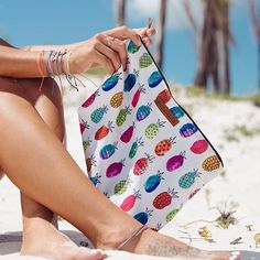With four customstyles to choose from, Pura Vida's Beach Clutch is your new go-to summer bag! Carry all of your...