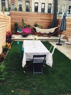 Landscape Inspiration: A Dozen Lush & Lovely Townhouse Backyards via Apartment Therapy