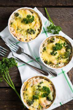 Zapiekanka z kurczakiem, brokułem i serem