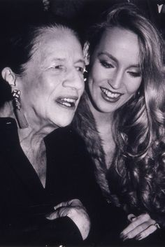 A meeting of icons Diana Vreeland and Jerry Hall at Studio 54 1977 Studio 54, Timeless Photography, Beauty Photography, Fashion Photography, Photography Magazine, Lifestyle Photography, White Photography, Portrait Photography, Givenchy