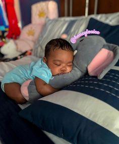Cute Black Babies, Beautiful Black Babies, Cute Little Baby, Pretty Baby, Beautiful Children, Mix Baby Girl, Cute Babies Photography, Cute Baby Videos, Cute Kids Fashion
