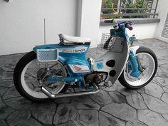 Honda custom bikes C 90 Honda 90, Honda Bikes, Estilo Cafe Racer, Motos Honda, Honda Ruckus, Motor Scooters, Moto Style, Mini Bike, Motorcycle Bike