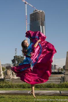 Buongiorno!!! Oggi è Gypsy Monday, il primo lunedì gitano della nuova stagione con la travolgente energia di Victoria Ivanova. h 13-14 Gypsy e Oriental Duende Open h 18.30-19.30 Gypsy Duende Principianti h 19.30-21.30 Gypsy Duende Avanzato h 21.30-22.30 Gypsy Duende Intermedio  0236529113 info@metissart.org vi aspettiamo!!! #danzegipsy #gypsyduende #danzaduende #danzalavita