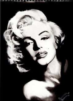 Charcoal portrait of Marilyn Monroe by Anndrea Leeann | This image first pinned to Marilyn Monroe Art board, here: http://pinterest.com/fairbanksgrafix/marilyn-monroe-art/ || #Art #MarilynMonroe