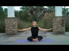 Yoga for Complete Beginners - 30 minute Yoga Class-- morning video.challenging enough to feel like a workout and yet, relaxing and stress relieving too. Fitness Del Yoga, Fitness Tips, Health Fitness, Yoga For Complete Beginners, Yoga Poses For Beginners, Qi Gong, Sculpter Son Corps, Beginning Yoga, Reiki