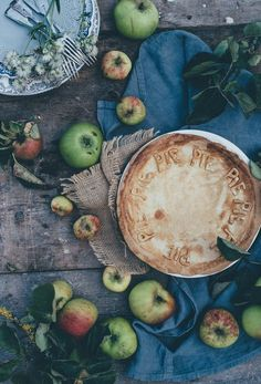 Vegan Thanksgiving pie on a table with apples. Ilene of The Colorful Kitchen puts her vegan spin on the classic chicken pot pie. Check out these five great vegan Thanksgiving recipes that even the biggest of meat eaters can't resist. Pie Recipes, Fall Recipes, Pumpkin Recipes, Christmas Recipes, Drink Recipes, Vegan Recipes, Dinner Recipes, Dessert Recipes, Pie Pictures