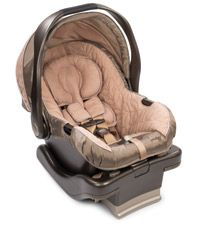 We love the high-tech features on the Summer Infant Prodigy carseat #registry