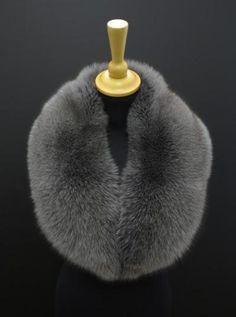 Kožešinový límec z barvené polární lišky - šedá barva #fur #spongr #kuzedeluxe #kozesiny #kozesinovy #limec