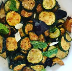 Zucchine e melanzane alla scapece Pasta, Antipasto, Italian Recipes, Zucchini, Buffet, Side Dishes, Food And Drink, Menu, Diet