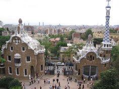 The entrance gate to Parc Guell in Barcelona. No, they aren't gingerbread houses.    Трансфер из Барселоны в Аэропорт  и Качественный трансфер, многолетний опыт работы с клиентами, Билеты на футбольные матчи   трансфер, отдых, #travel