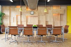 Creative Office Wooden Conference Room – 'The Boardroom' :) Herman Miller Eames chair Charles Eames, Interior Work, Office Interior Design, Corporate Interiors, Office Interiors, Conference Room Chairs, Workplace Design, Cool Office, Commercial Interiors