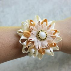 Neutral Corsage Flower Neutral Flowers Ivory Beige Gold Pearl Flower Wrist Flower Corsage Wedding Corsage Flower Bracelet Corsage