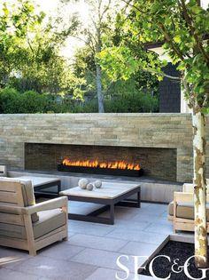 Une Cheminée Extérieure à Côté Du0027une Piscine Design Outdoor | Pools |  Outdoor Fireplace Designs, Modern Fire Pit, Linear Fireplace