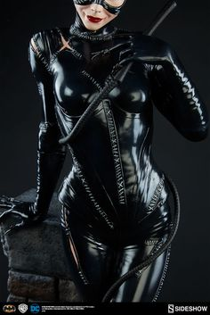 New Photos – Catwoman Premium Format Figure | Sideshow Collectibles