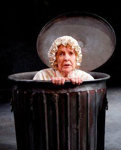 """Elaine Stritch as Oscar the Grouch in """"Endgame"""""""