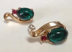 Crown Trifari Green Jelly Belly Squirrel Shaped Clip Earrings – 1970s Jewelry