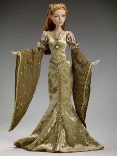 Tonner Doll design. I love this dress with the sleeves.