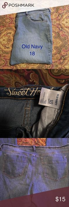 """Jeans By Old Navy """"The Sweetheart"""" Plus Size These jeans are in GUC. They measure 20"""" side to side at top of waist and inseam is 31"""" they do stretch💜 Old Navy Jeans"""