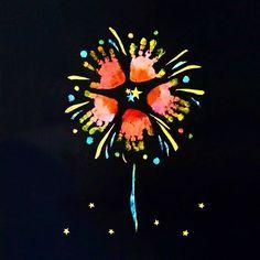 【手形アート】赤ちゃんや子供と出来る♡手形足形をオシャレに残すって素敵 -page2 | mama Jocee Fun Arts And Crafts, Diy And Crafts, Toddler Crafts, Toddler Activities, Diy For Kids, Crafts For Kids, Footprint Art, Handprint Art, Message Card