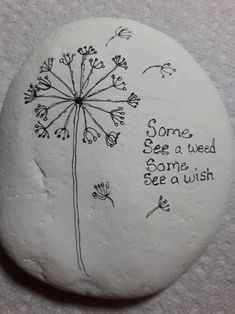 Beautiful Pebble Painting, Love Painting, Pebble Art, Rock Painting Ideas Easy, Rock Painting Designs, Stone Crafts, Rock Crafts, Rock And Pebbles, Caillou