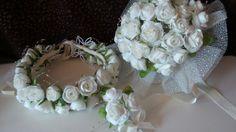Gelin takımı  ( tacı, buketi  ve yaka  çiçeyi). Çiçekleri  gerçekten  ipek kozasından yapıldı.