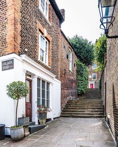 A Lady in London on Instagram: This staircase in Hampstead, London is beautiful. England Uk, London England, Wonderful Places, Beautiful Places, Hampstead London, Walks In London, London Architecture, Gothic Architecture, Ancient Architecture