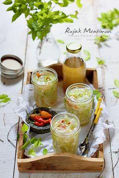 Rujak Mentimun-Indonesian fresh sweet spicy cucumber shredded drink