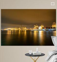 Nachtzicht op de ECT Terminals in de Rotterdamse Haven bij de Maasvlakte. Hutchison Ports ECT Rotterdam (ECT) behoort tot de leidende en meest geavanceerde containerterminal operators van Europa. ECT exploiteert in Rotterdam de ECT Delta terminal en de ECT Euromax terminal. Beide gelegen op de Maasvlakte, direct aan de Noordzee.<br>Vanaf het allereerste containerschip dat in 1966 Europa bezocht, dus al ruim 50 jaar, is ECT leidend in containeroverslag. ECT ontwikkelde de Maasvlakte tot hét cent Opera House, Canvas, Building, Wall, Prints, Travel, Container Terminal, Tela, Viajes