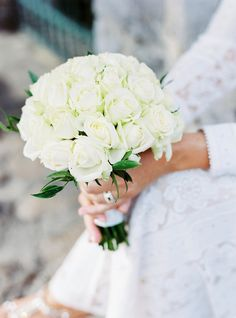 simple bouquet of white roses