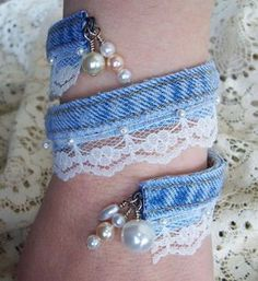 Denim and lace and pearl bead bracelet Bracelet Denim, Fabric Bracelets, Fabric Jewelry, Beaded Bracelets, Jewelry Crafts, Jewelry Art, Beaded Jewelry, Handmade Jewelry, Jewelry Design