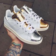 chaussure adidas campus pride beige better together on feet