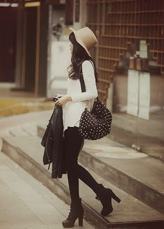 Long blouse-tshirt soft- or chiffon. ankle boots!  *the girl's rival