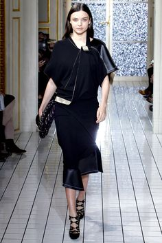 Balenciaga Fall 2011 Ready-to-Wear Collection Slideshow on Style.com