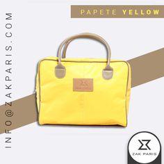 Cuadradita, pequeña, práctica y liviana son las características que definen como la Perfecta Aliada a la Papete Yellow de Zak, con un color vibrante y alegre que representa diversión, creatividad y juventud. #bags #handbags #yellow #fashion #zakparis #today