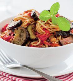 Paste cu vinete si rosii Paste, Kung Pao Chicken, Japchae, Ethnic Recipes, Food, Essen, Meals, Yemek, Eten