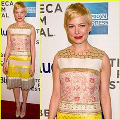 Michelle Williams at the TAKE THIS WALTZ premiere. SO gorgeous.