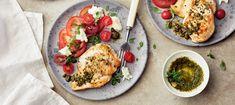 Tomaatti-mozzarellasalaatti ja broileria | Pääruoat | Reseptit – K-Ruoka Bruschetta, Mozzarella, Pesto, Tacos, Chicken, Ethnic Recipes, Food, Essen, Meals
