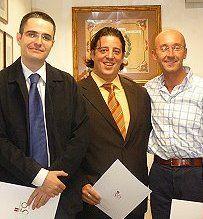 O. Herrero, S. Escorial y R. Colom, reciben el XIII PremioTEA en 2008 por el SOC, Escala de Dificultades de Socialización de Cantoblanco.
