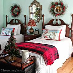 40 tolle Schlafzimmer Weihnachtsdekoration Ideen - the rest of the cottage - Awesome Bedrooms, Cool Rooms, Beautiful Bedrooms, Christmas Bedding, Christmas Home, French Christmas, Country Christmas, Christmas Outfits, Winter Bedroom Decor