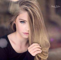 Jade Weber Jade Weber, The Most Beautiful Girl, Beautiful Women, Jada, Mannequins, Pretty Woman, Girl Fashion, Cute, Long Hair Styles